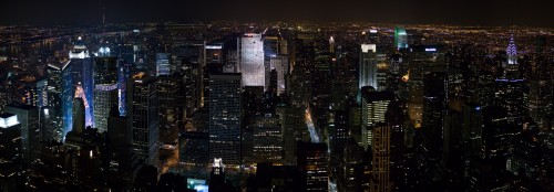 New_York_Midtown_Skyline_at_night_-_Jan_2006.jpg